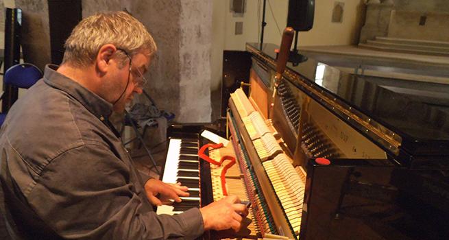 Claude LACHASSE  Accordeur  Réparateur de pianos à Chaumont-sur-Loire